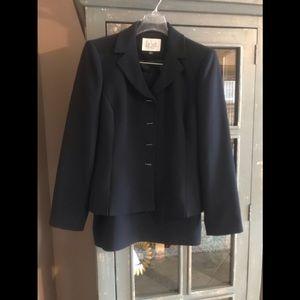 Le Suit brand Suit Navy Size 4P